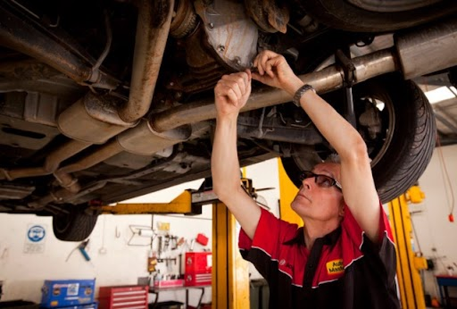What Are The Major Services That A Ford Car Service Offers?